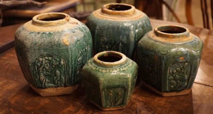 chinese-ming-shiwan-style-hexagonal-vases-set-of-4-660403_608x416